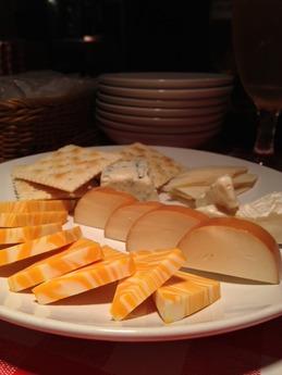 テラ 世界のチーズ盛合せ