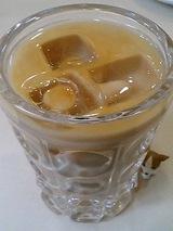 アイスオーレ 可愛いグラスです。