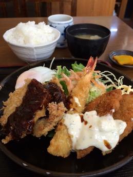一ぷく食堂 ミックスフライ定食 830円