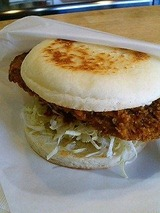 ハンバーガー屋 ロースカツバーガー 400円