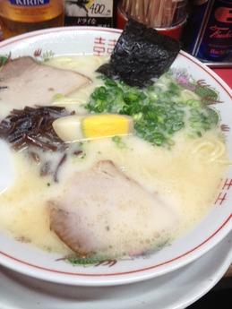 赤のれん ラーメン 650円