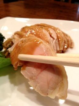 テムジン  蒸し鶏ゴマ和え 650円