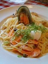 モッチモパスタ 新鮮魚介類のペペロンチーノ