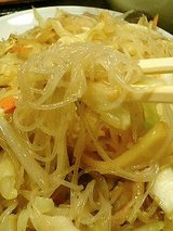 中華料理 九龍 焼ビーフン(650円)
