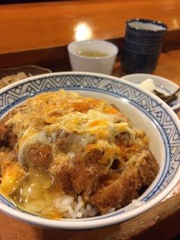 東庵 卵とじカツ丼 (1)