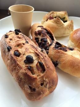 くるりのパン 5種の木の実のパン