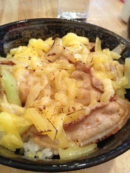 大阪元気めし チーズ豚丼