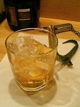 お酒はいつものボトルキープ(ウィスキー)を。