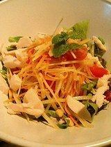 タイ風 蒸し鶏と青いパパイヤのサラダ