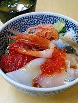 市場食堂 海鮮丼(480円)