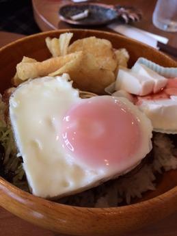 コナコナカフェ ロコモコ 650円