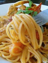 パパス&ママス ワタリガニのクリームトマトソースパスタ