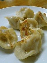 成屋 上海焼餃子 450円
