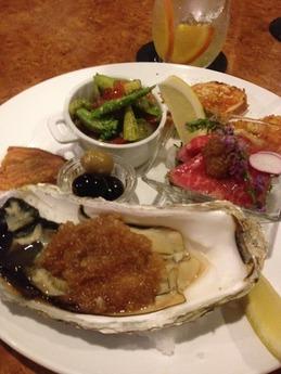 BARシンバル 岩手県釜石産の牡蠣の昆布焼き