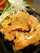 喰龍 蒸し鶏 525円