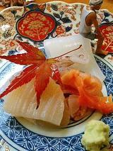 刺身盛り合わせ(イカ、ゲソ、ホタテ、赤貝)