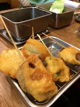 串カツでんがな 野菜盛り合せ (1)