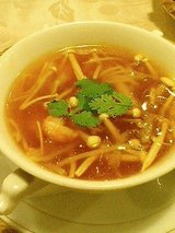 ふかひれスープ(600円)