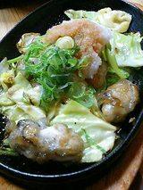 たまごかけごはん なかま カキの鉄板焼おろしポン酢(735円)