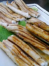 アナゴ白焼き(950円)