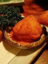 メイドin 高麗 チーズフライのコチュジャンソース添え(380円)