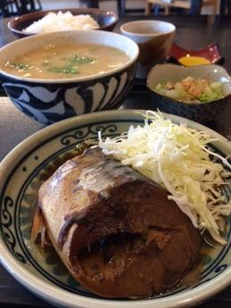 一善 豚汁定食 750円 (1)