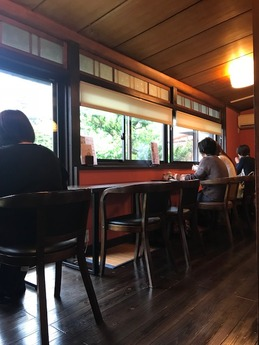 青山のカフェ (2)