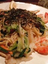 テン 海老と野菜のタイ風塩焼きそば 880円