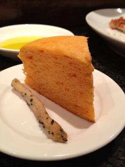カルボナイオ 自家製パン