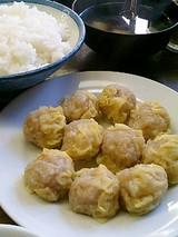 一芳亭 しゅうまい(310円)白飯(130円)