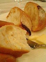 ビストロシャマツ 自家製パン2