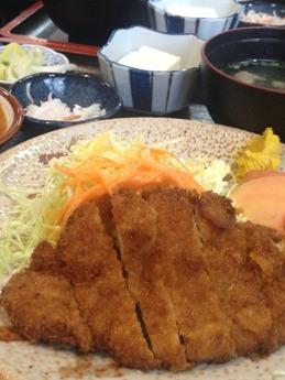 大富士 ロースカツ定食1050円