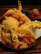 海老2、ししとう2、カボチャ2、玉ねぎ、椎茸の天ぷら