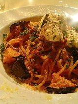 揚げ茄子とリコッタチーズのトマトソースパスタ(850円)