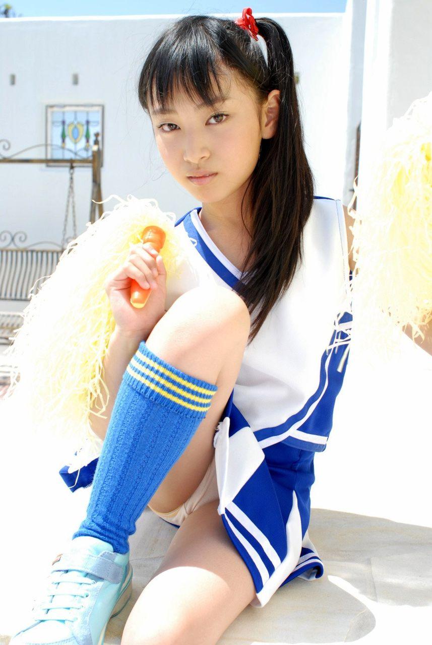 ジュニアアイドルコラ投稿画像110枚&yukikax中学生
