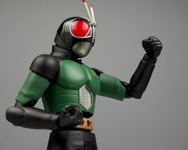 フィギュアーツ 仮面ライダーBLACK RX リニューアル レビュー