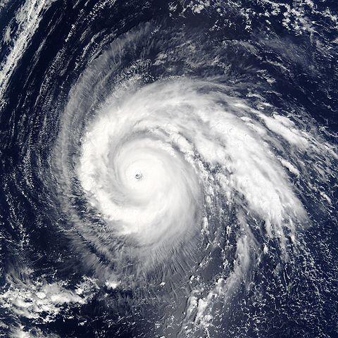 480px-Super_Typhoon_Higos_2002