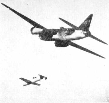 G4M_Type_1_Attack_Bomber_Betty_launching_Baka_G4M-10
