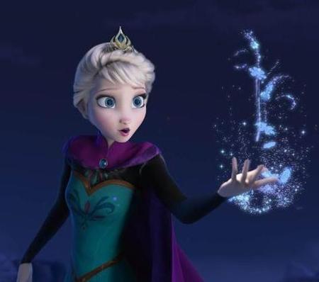 魔法を使うアナと雪の女王