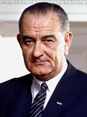 800px-37_Lyndon_Johnson_3x4