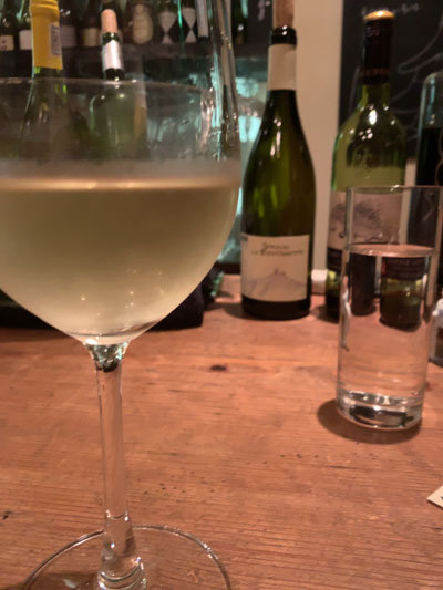 姫路 ダイニングBar eka 白ワイン