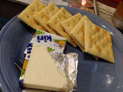 神戸 西元町 のらまる食堂 クリームチーズ クラッカー