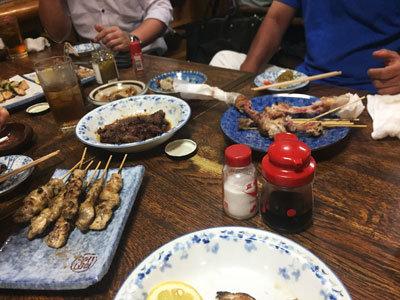 広畑 焼き鳥 丸福 テーブル