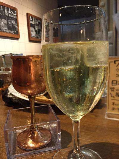 姫路 肉バル TSUMUGIYA スパークリングワイン