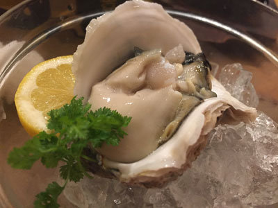 姫路 のれん街 かきセンター 熊本産 岩牡蠣