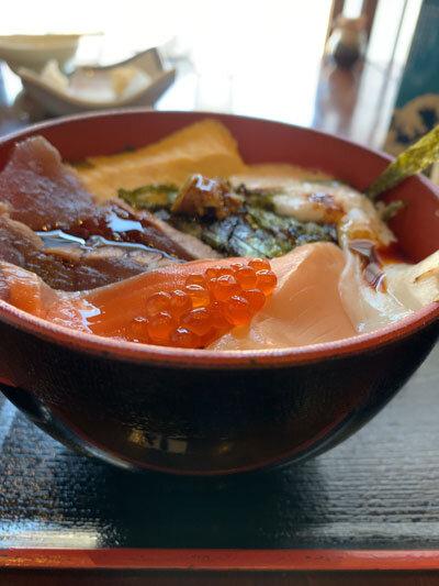 鳥取 市場料理 賀露幸 海鮮丼 ご飯