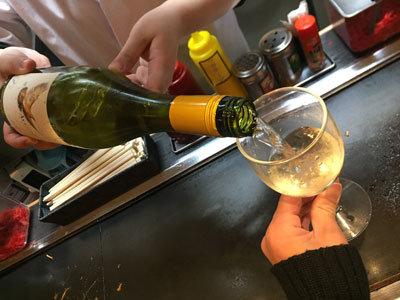 姫路 おみぞ筋 釜谷製麺 ワイン 飲み放題
