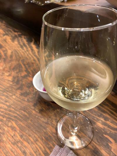 明石 立呑み たなか酒店 白ワイン