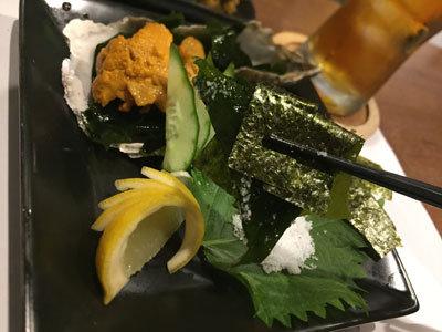 明石 マグロとウニ 鉄板酒場 魚鉄 海藻海苔巻き