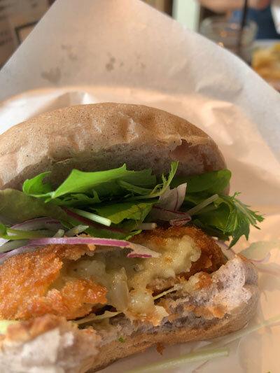 姫路 サンサーラ 牡蠣 クリームコロッケ バーガー